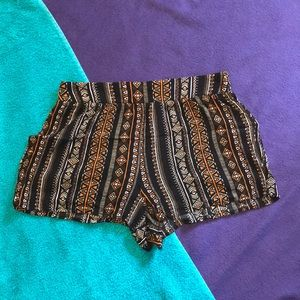 Forever 21 Vertical Geometric Print Shorts